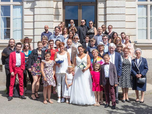 Le mariage de Anne Laure et Yaëlle à Janzé, Ille et Vilaine 21