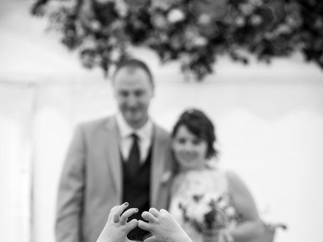 Le mariage de Gilles et Sandrine à Illifaut, Côtes d'Armor 14
