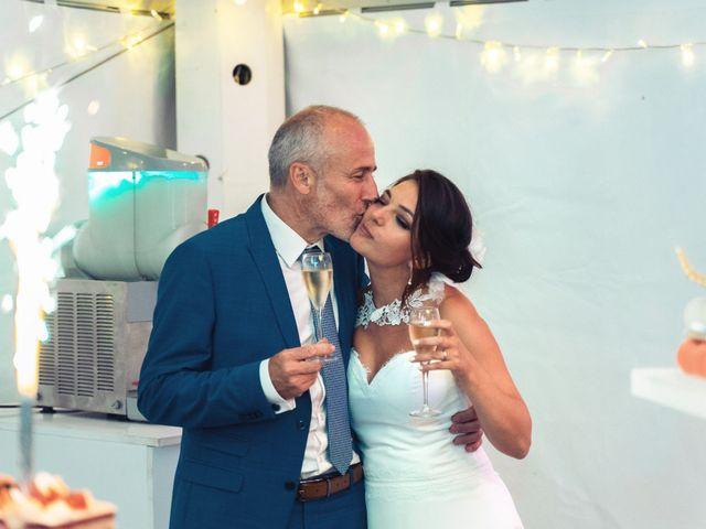 Le mariage de Nicolas et Sabrina à Amondans, Doubs 58