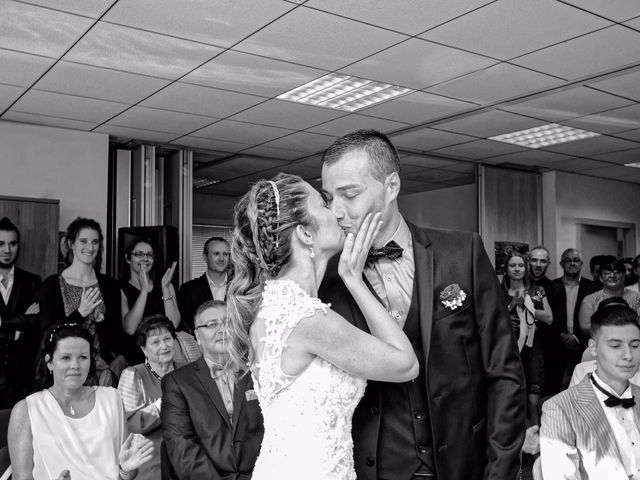 Le mariage de Anthony et Audrey à Panossas, Isère 15