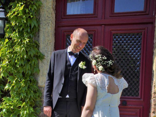 Le mariage de Ivan et Orianne à Saint-Éloi-de-Fourques, Eure 11