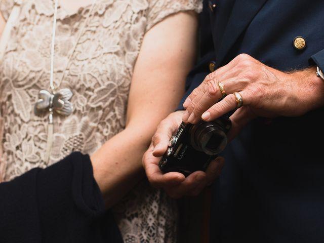 Le mariage de Michael et Sarah à Saint-Étienne-de-Vicq, Allier 13