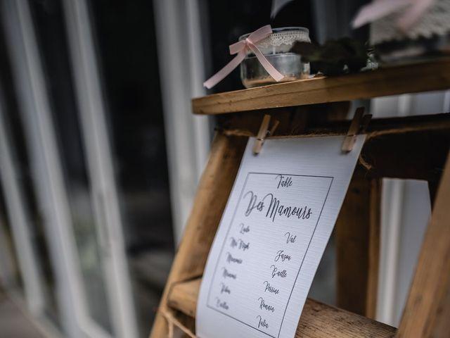 Le mariage de Anthony et Sylvia à Grambois, Vaucluse 3