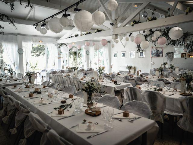 Le mariage de Anthony et Sylvia à Grambois, Vaucluse 7