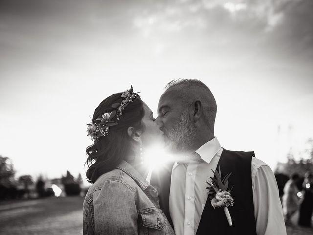 Le mariage de Anthony et Sylvia à Grambois, Vaucluse 37