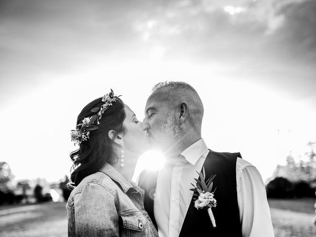 Le mariage de Anthony et Sylvia à Grambois, Vaucluse 38