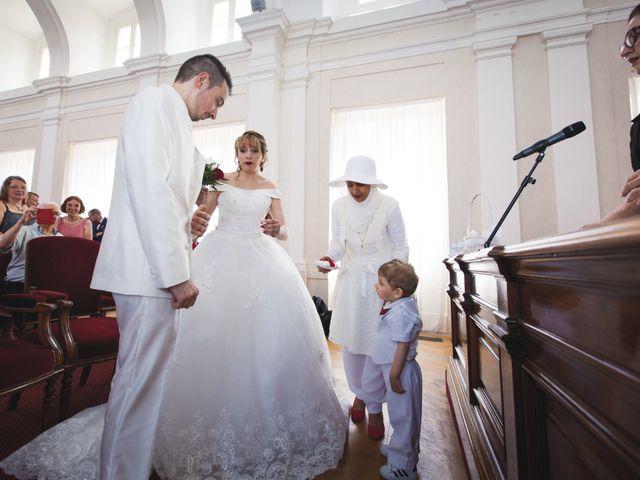 Le mariage de Damien et Radia à Barbey, Seine-et-Marne 20