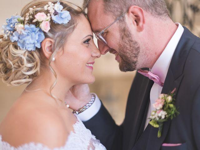 Le mariage de Laurent et Caroline à Neuilly-sous-Clermont, Oise 31