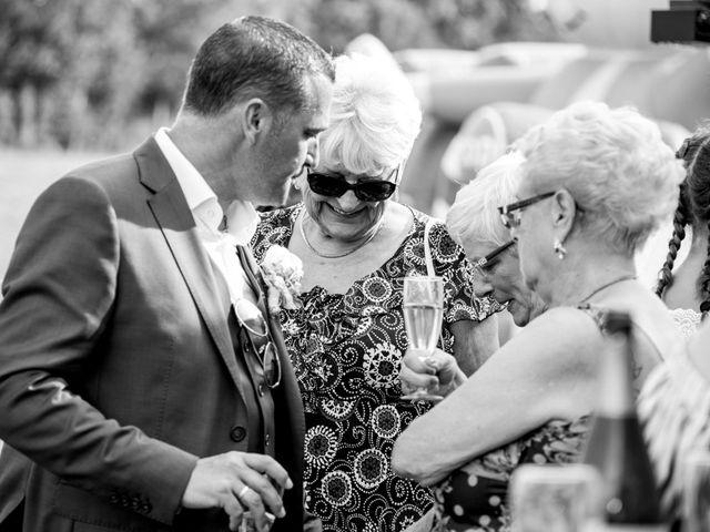 Le mariage de Damien et Dorothée à Marcoing, Nord 39