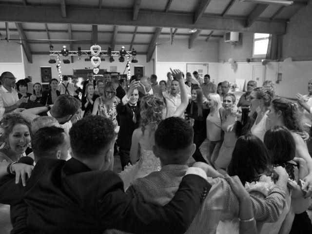 Le mariage de Sylvain et Alexandra à Moon-sur-Elle, Manche 35