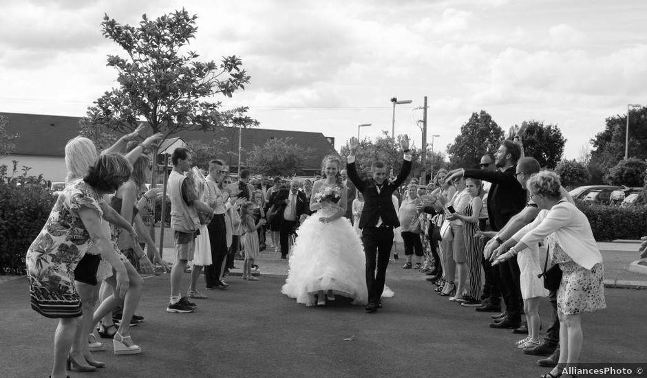 Le mariage de Sylvain et Alexandra à Moon-sur-Elle, Manche