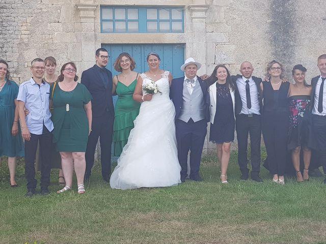 Le mariage de Greg et Gwen à Saint-Maurice-des-Noues, Vendée 1
