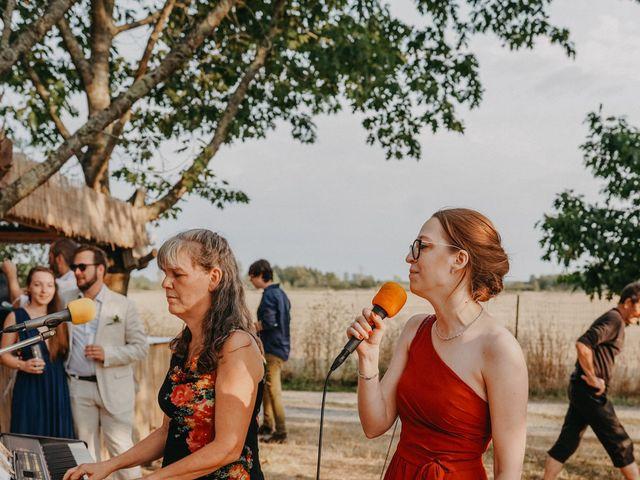 Le mariage de Laurent et Emma à Saint-Clar-de-Rivière, Haute-Garonne 51