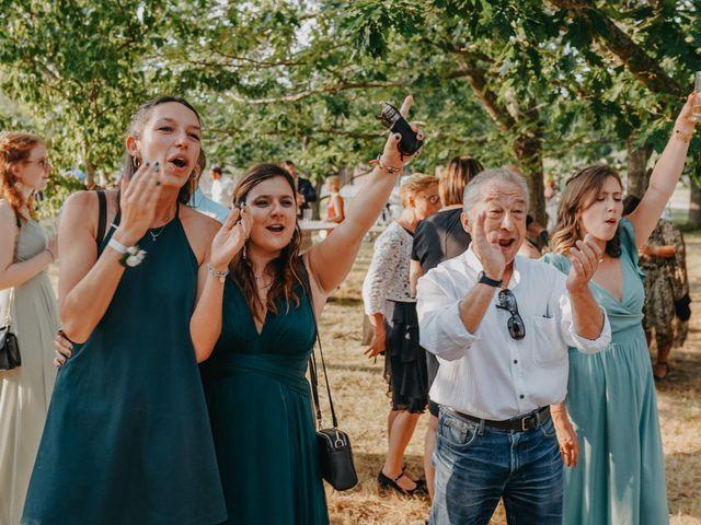 Le mariage de Laurent et Emma à Saint-Clar-de-Rivière, Haute-Garonne 54
