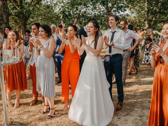 Le mariage de Laurent et Emma à Saint-Clar-de-Rivière, Haute-Garonne 56