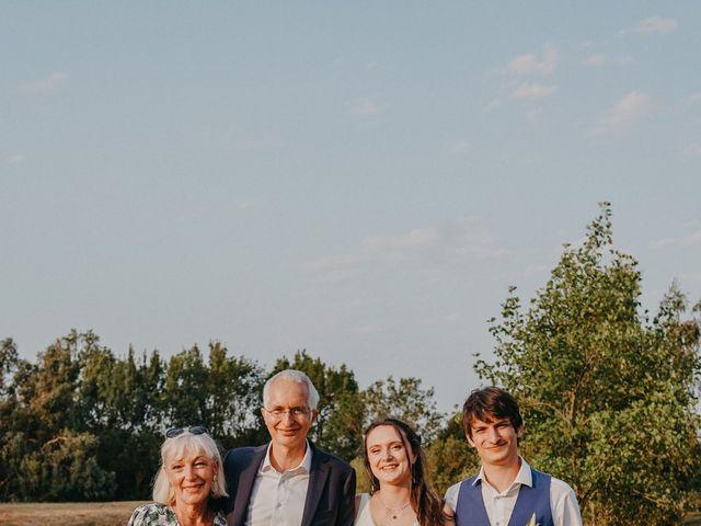 Le mariage de Laurent et Emma à Saint-Clar-de-Rivière, Haute-Garonne 67