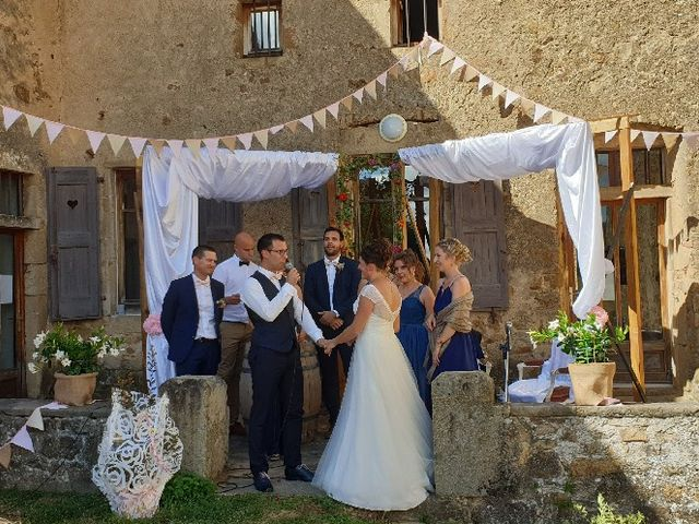 Le mariage de Fabien et Anaïs  à Véranne, Loire 5