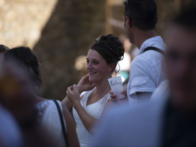 Le mariage de Fabien et Anaïs  à Véranne, Loire 7