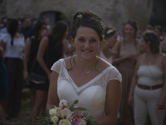 Le mariage de Fabien et Anaïs  à Véranne, Loire 11