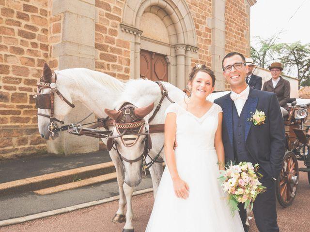 Le mariage de Fabien et Anaïs  à Véranne, Loire 23