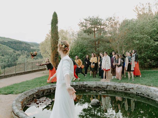 Le mariage de Clovis  et Chloé à Beaujeu, Rhône 9