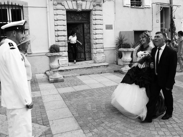Le mariage de Yann et Aurelie à Carnoules, Var 17