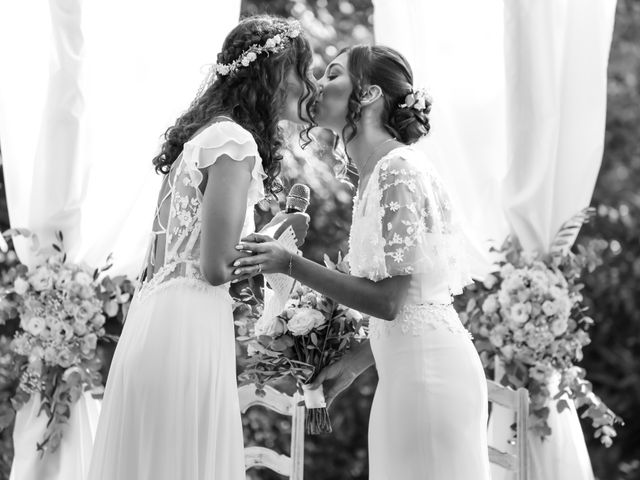 Le mariage de Clara et Laura à Fontenay-Trésigny, Seine-et-Marne 76