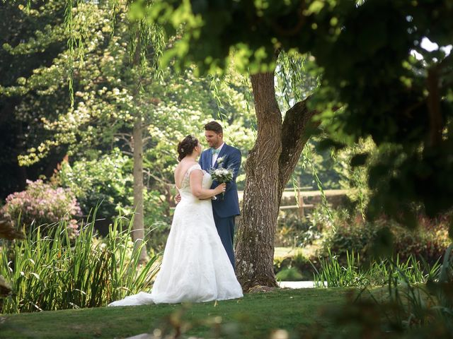 Le mariage de Gary et Sophie à Milly-la-Forêt, Essonne 28