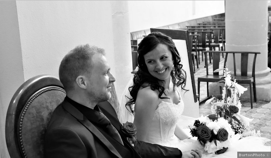 Le mariage de Paul et Elodie à Le Castellet, Var