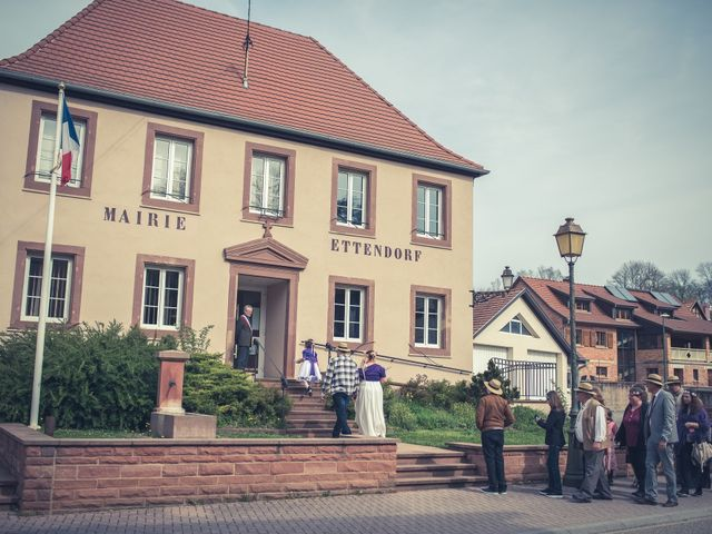 Le mariage de Gilles et Caroline à Ettendorf, Bas Rhin 13