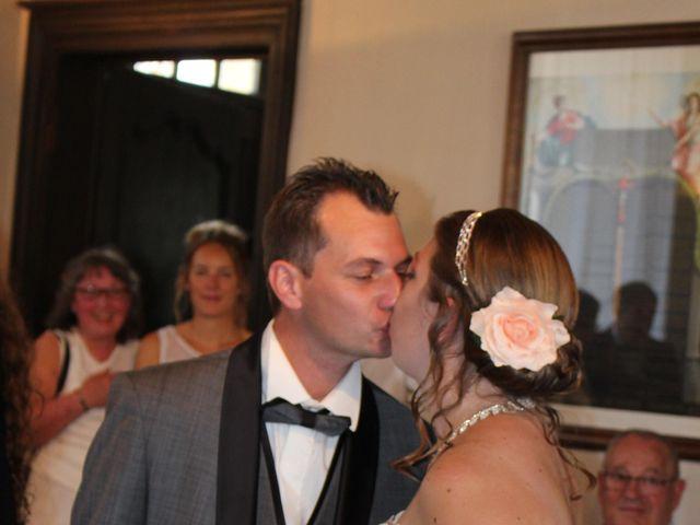 Le mariage de Ludovic et Elodie à Sceaux-sur-Huisne, Sarthe 3