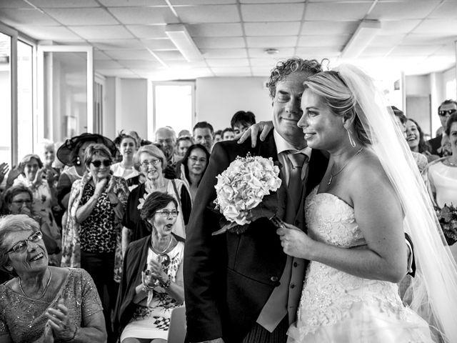 Le mariage de Mike et Clarien à La Ferté-Bernard, Sarthe 19