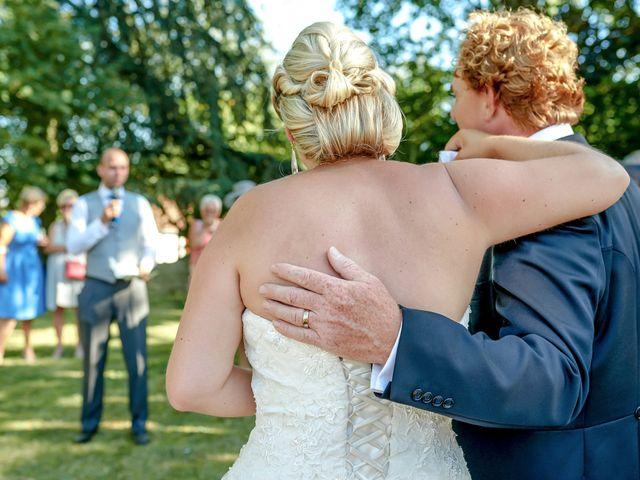 Le mariage de Mike et Clarien à La Ferté-Bernard, Sarthe 29