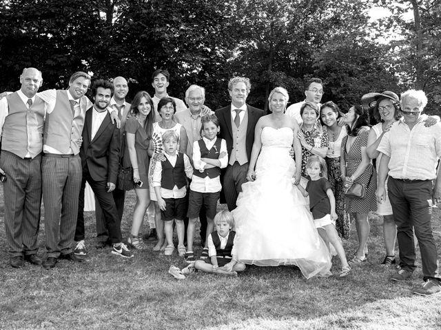 Le mariage de Mike et Clarien à La Ferté-Bernard, Sarthe 35