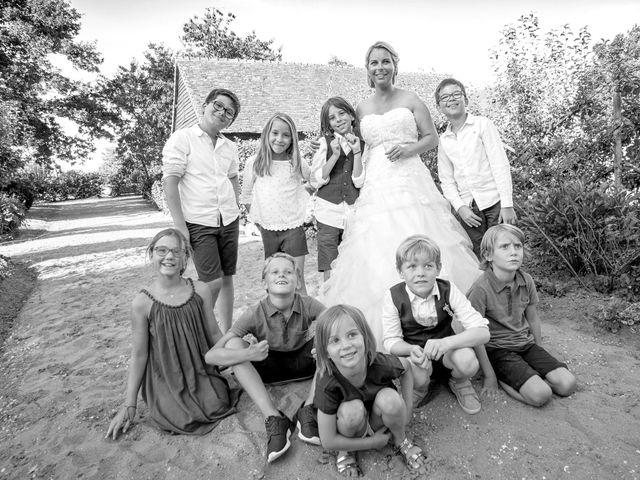 Le mariage de Mike et Clarien à La Ferté-Bernard, Sarthe 37
