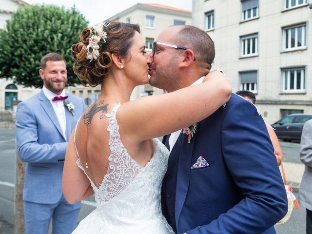 Le mariage de Jérome et Elodie à Échiré, Deux-Sèvres 4