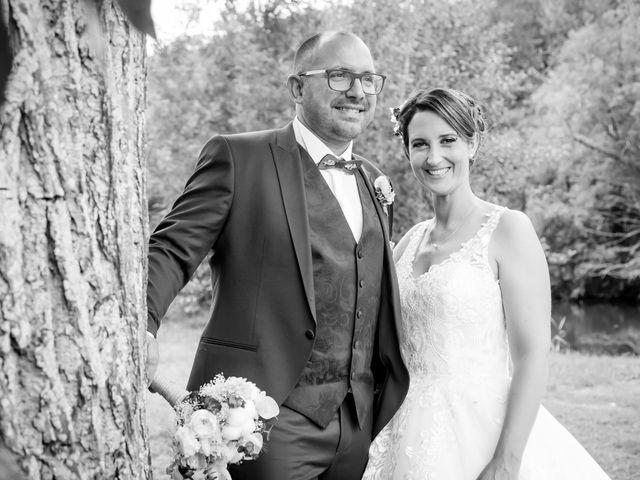 Le mariage de Jérome et Elodie à Échiré, Deux-Sèvres 17