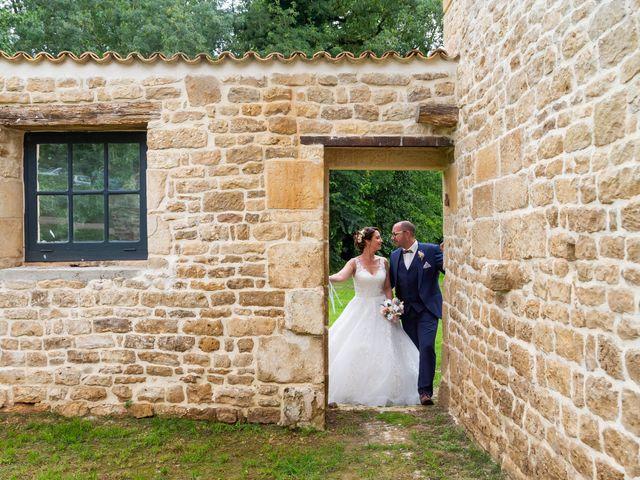 Le mariage de Jérome et Elodie à Échiré, Deux-Sèvres 22