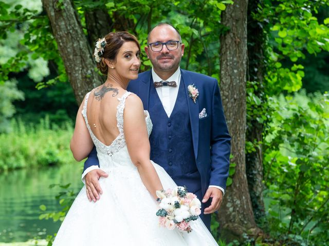 Le mariage de Jérome et Elodie à Échiré, Deux-Sèvres 30