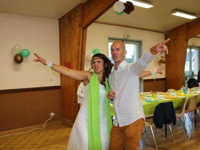 Le mariage de Steve et Stephanie  à Lonlay-l'Abbaye, Orne 53