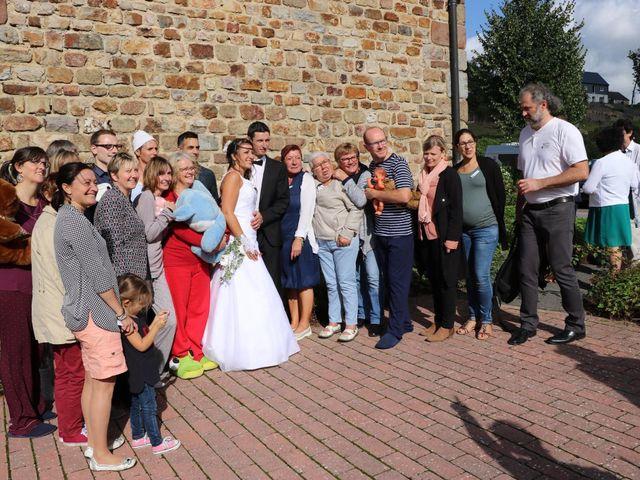 Le mariage de Steve et Stephanie  à Lonlay-l'Abbaye, Orne 56