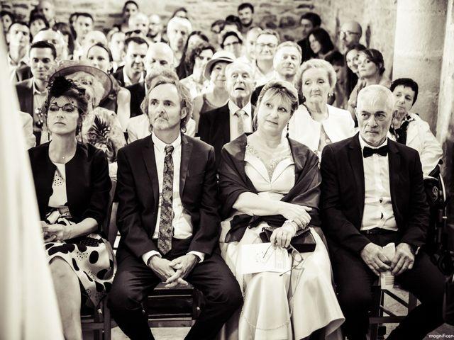 Le mariage de Florent et Clara à Pont-de-Salars, Aveyron 76