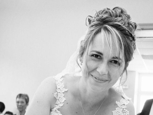 Le mariage de Aurélien et Julie à Dornes, Nièvre 5