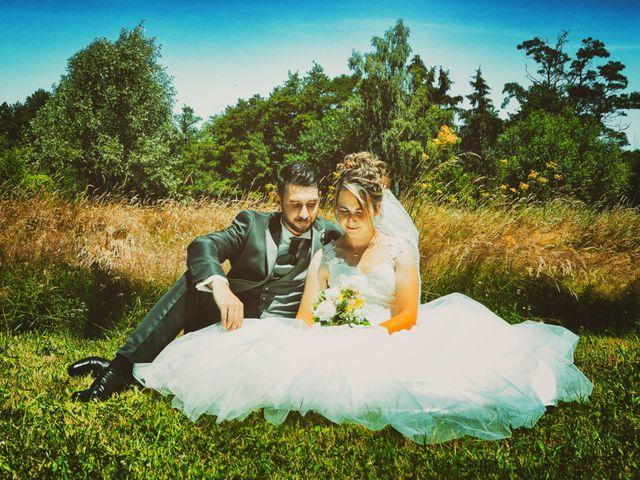 Le mariage de Aurélien et Julie à Dornes, Nièvre 6