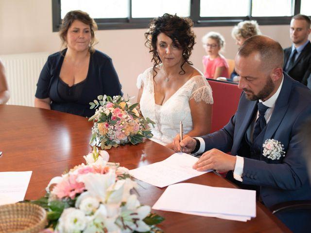 Le mariage de Yoann et Hélène à La Chapelle-Saint-Ursin, Cher 16
