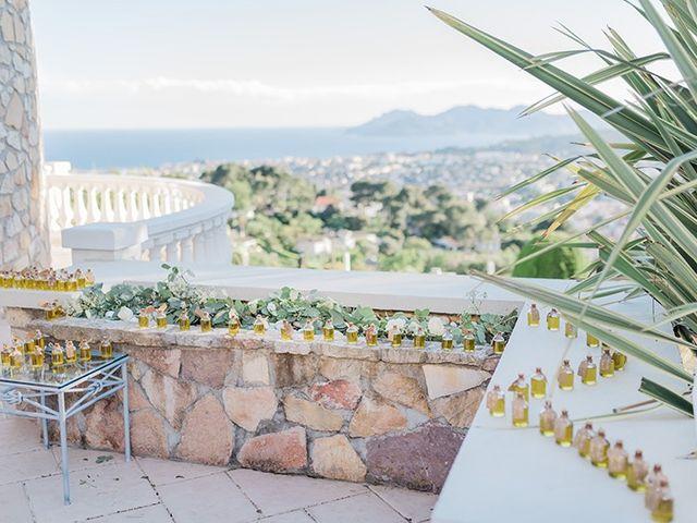 Le mariage de Adrien et Marie-France à Cannes, Alpes-Maritimes 37