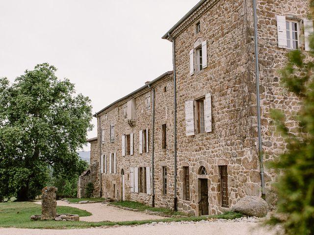 Le mariage de Loïc et Angélique à Saint-Romain-d'Ay, Ardèche 1