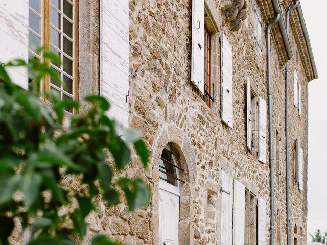 Le mariage de Loïc et Angélique à Saint-Romain-d'Ay, Ardèche 4