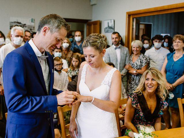Le mariage de Loïc et Angélique à Saint-Romain-d'Ay, Ardèche 27