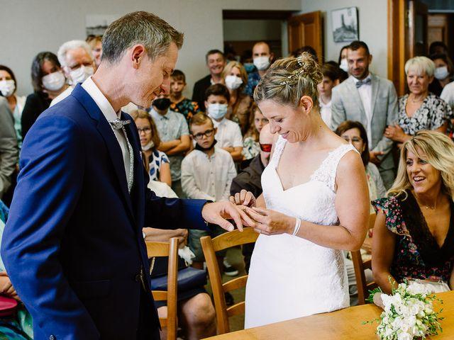 Le mariage de Loïc et Angélique à Saint-Romain-d'Ay, Ardèche 28